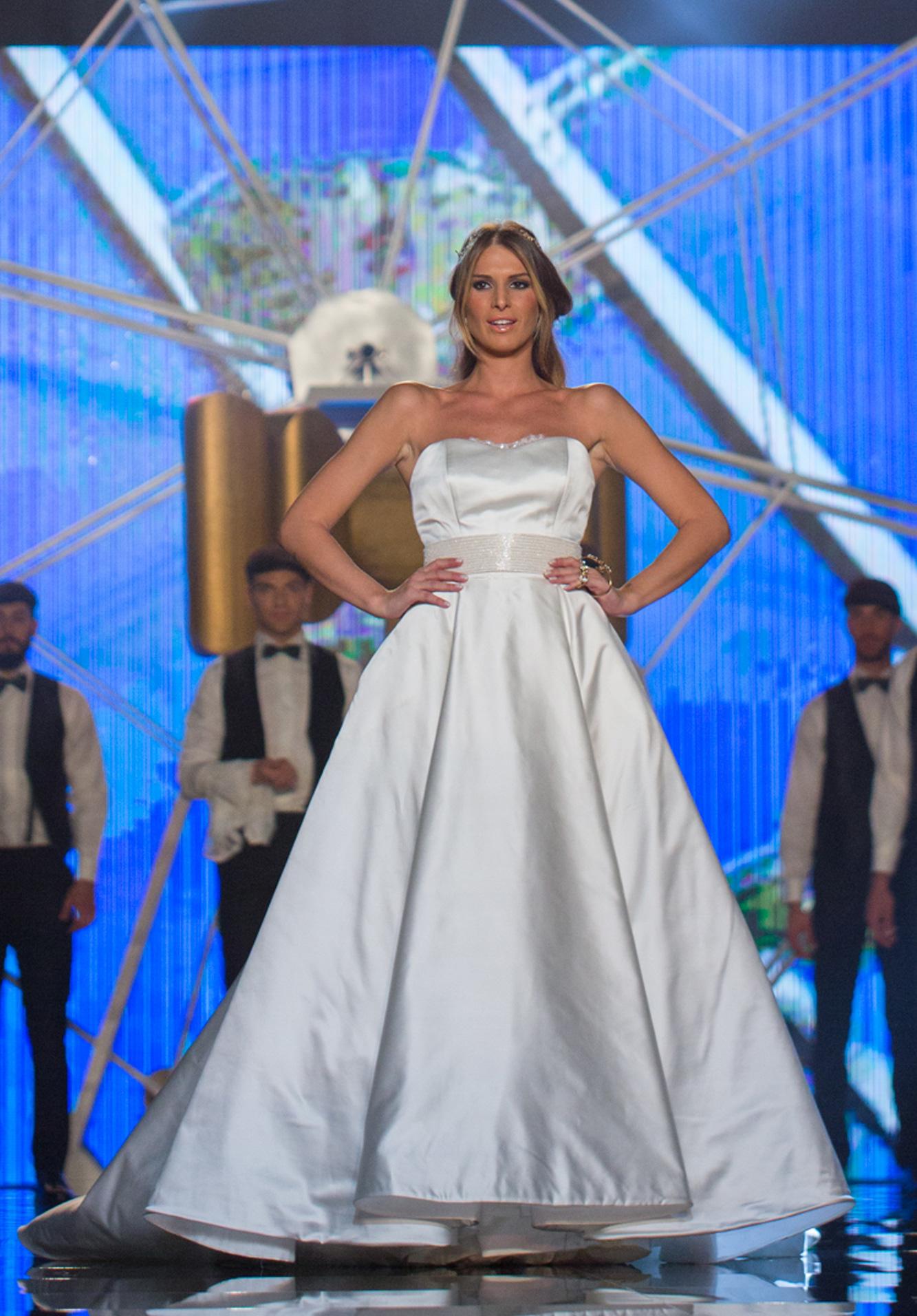 chiediapinella  l abito adeguato per una sposa bassa...  b8304ba4724